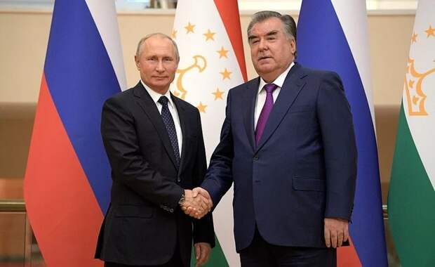 Состоялась встреча Владимира Путина со своим таджикским коллегой