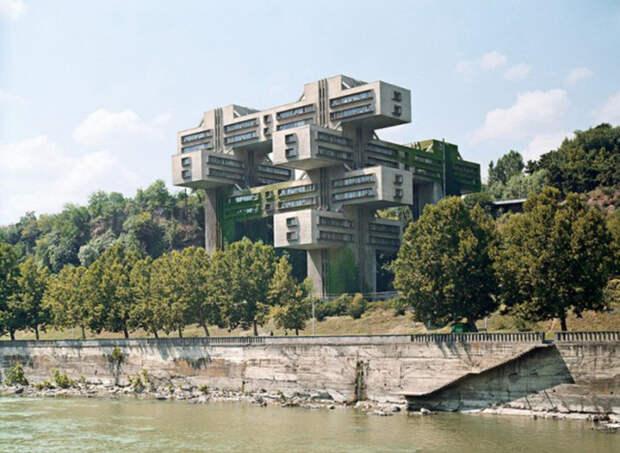 Как французский фотограф спровоцировал всеобщий интерес к советской архитектуре