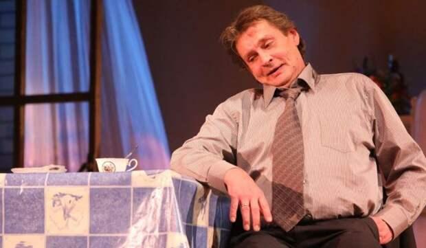 В МХАТ им. Горького отреагировали на скандальный уход Домогарова