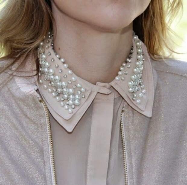 блуза с бусинами