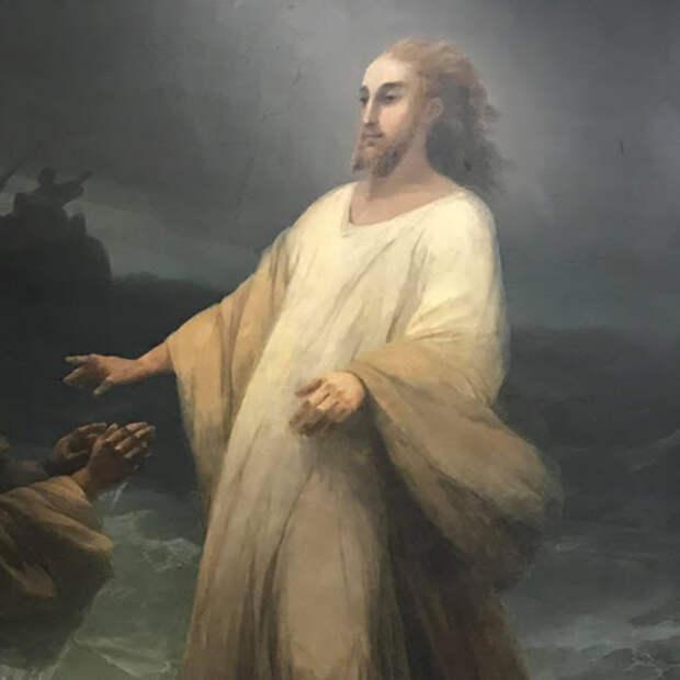 Иисус Христос успокаивает бурю на море и идёт по воде.