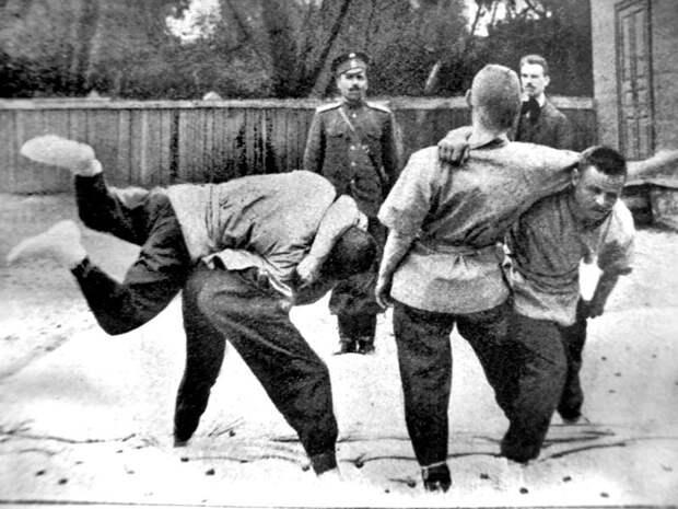 Российский моряк раскидал четырех английских боксеров боксер, история, моряки, силач