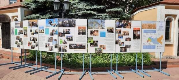 В храме Всех Святых проходит фотовыставка о  помощи наркозависимым