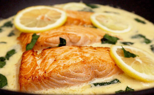 Красная рыба как подают в ресторанах. Секрет вкуса в сливочном соусе и лимоне
