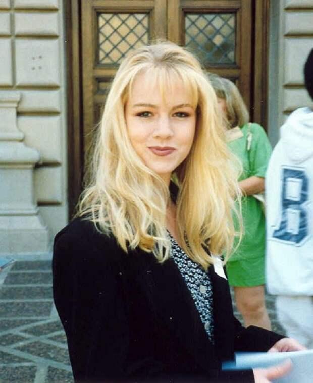 Вот как выглядит красотка Келли из культового сериала «Беверли-Хиллз, 90210» сегодня.