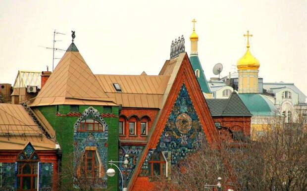 Петр Перцов очень дорожил этим домом. Официальным владельцем была его жена.