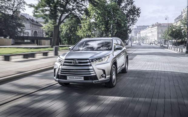 Светодиоды вместо галогенок: в России отзывают кроссоверы Toyota Highlander