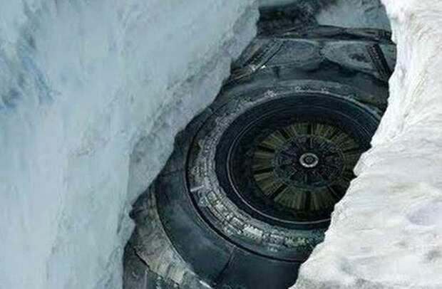 Во льдах Антарктиды похоронен гигантский НЛО?