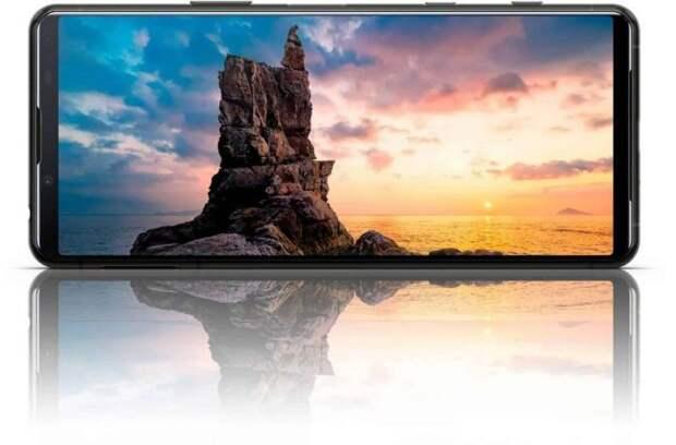 Флагман Sony Xperia 5 II показан в рекламном ролике