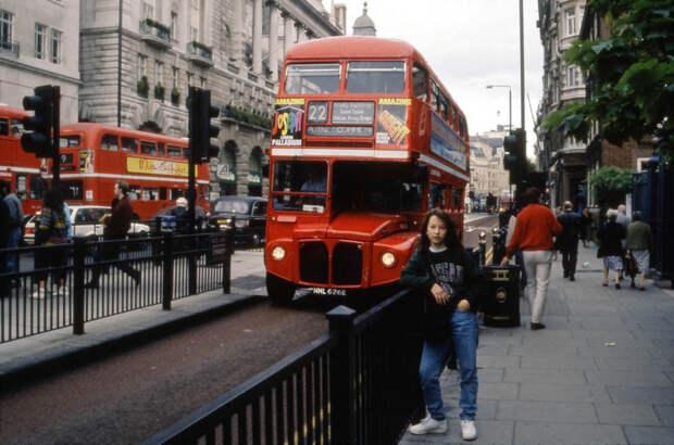 Лондон - символ консерватизма, его классический образ кажется почти неизменным: 1992, СССР, дорожное движение, капиталистические страны, прошлый век, соц. страны, страны третьего мира, улицы