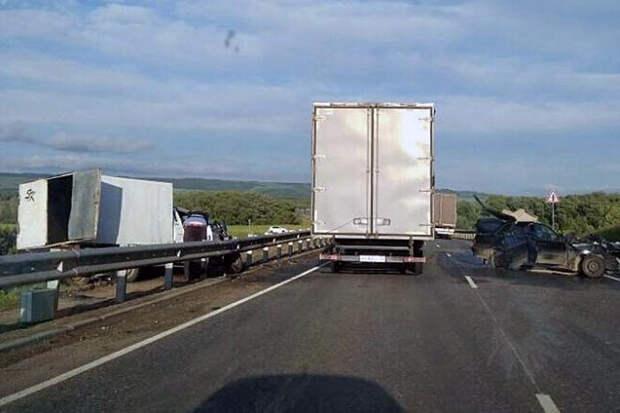 Из-за двух ДТП на автотрассе М-7 возникли многокилометровые пробки crash, авария, авто, дтп, пробка, столкновение