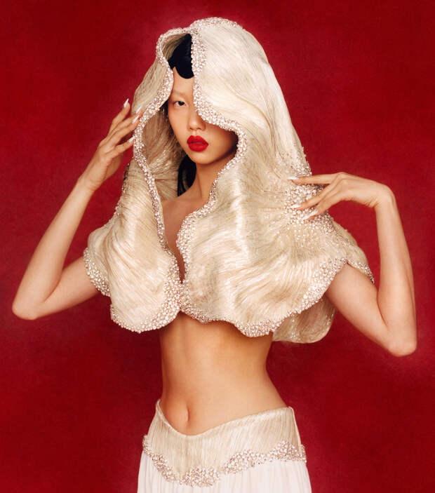 Что мы знаем о Сохи Парк — любимом модельере Беллы Хадид и Карди Би