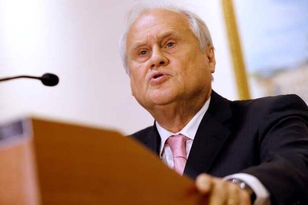 Спецпредставитель председателя ОБСЕ Мартин Сайдиком предложил отменить Минские соглашения