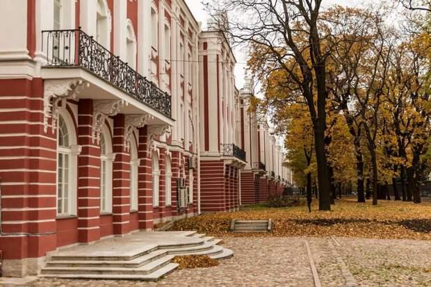 СПбГУ выложил в свободный доступ более 300 аудиолекций по истории, литературоведению и журналистике