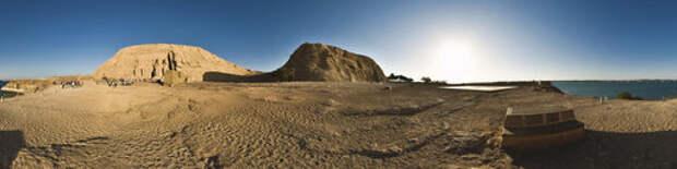 В чем особенность египетского храма Abu Simbel?