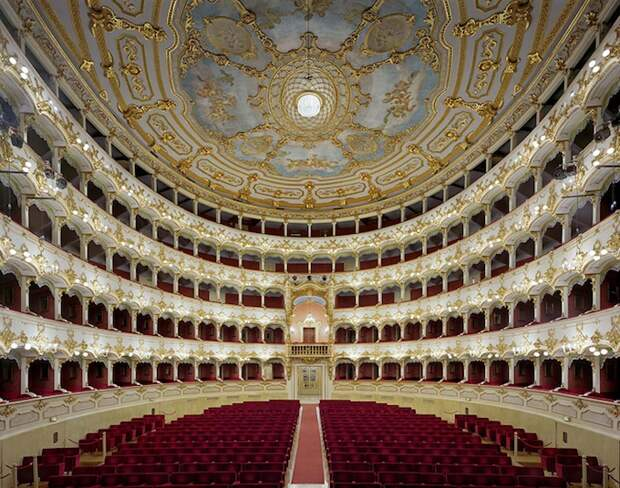 opera_theatre16.jpg