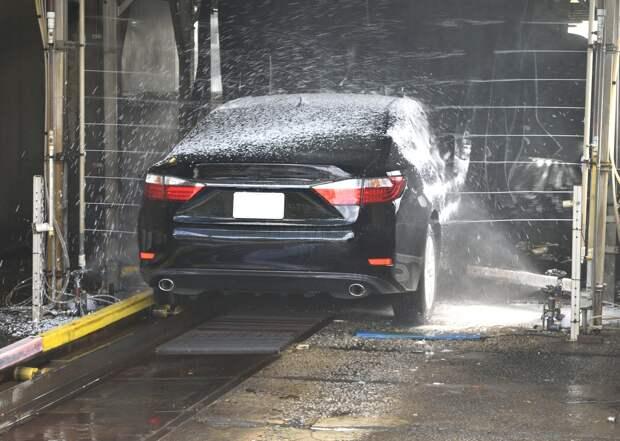 Все автомойки Симферополя используют дефицитную питьевую воду