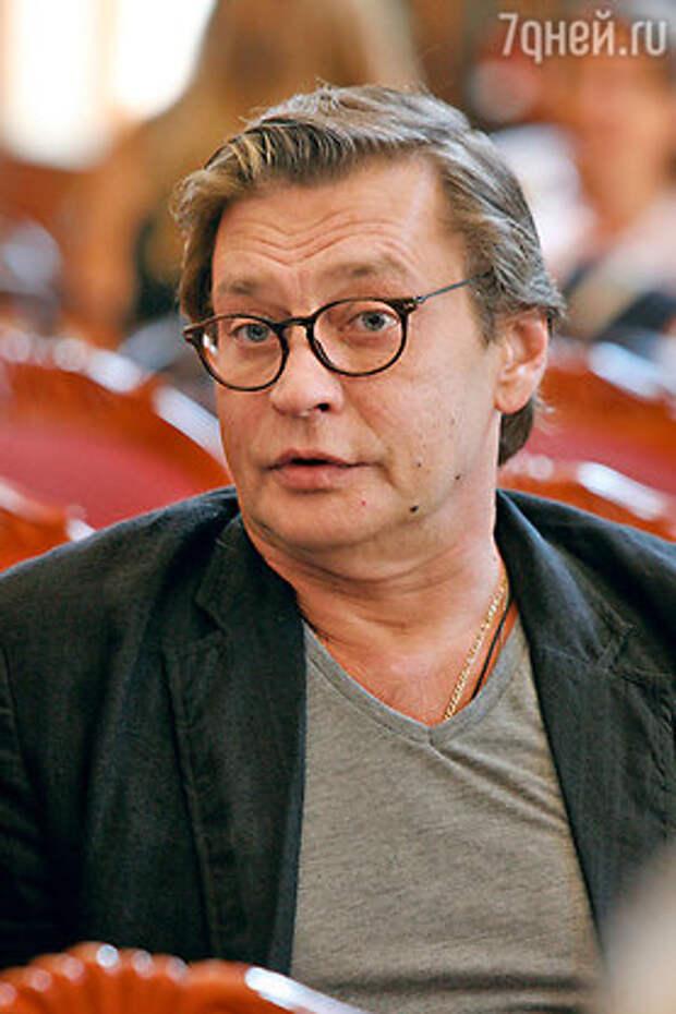 Александр Домогаров остался без работы