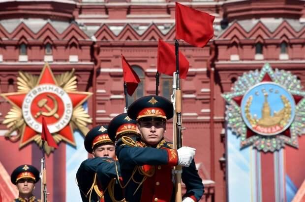 В Киеве пожаловались, что вся Украина будет смотреть Парад Победы в Москве
