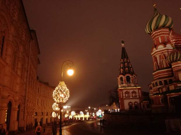 Прогуляемся по центру ночной Москвы