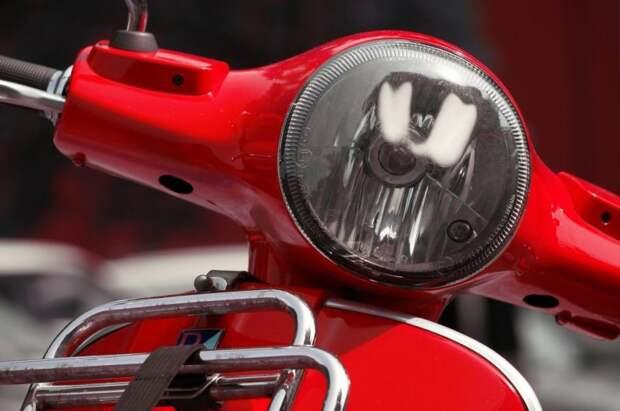 На Беговой мотоцикл зажали две легковушки
