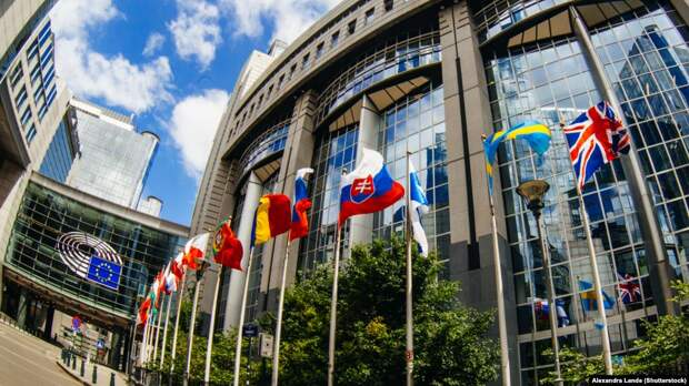 Поворот на Россию: кого избрали в Европарламент