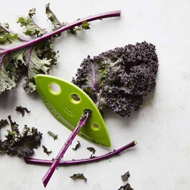 Оригинальное приспособление для быстрого приготовления салатов и других блюд. /Фото: smak.ua