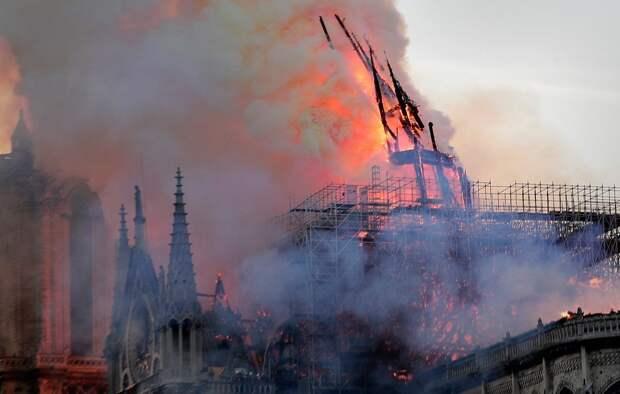Макрон: мы восстановим собор Парижской Богоматери