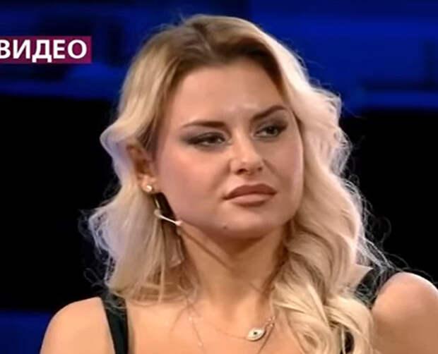 Так и до «дурки» недалеко: Анна Калашникова выяснила, как в ее квартире завелась нечистая сила