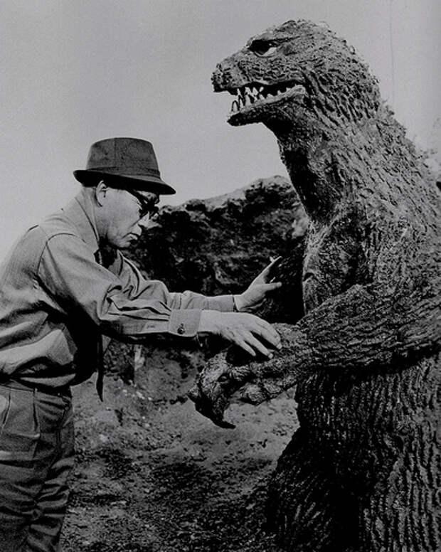 Как снимался фильм Годзилла в 1954 году...