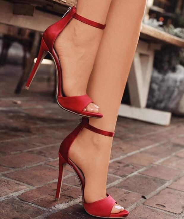Вред каблуков и почему вы пожалеете, что носили их слишком часто