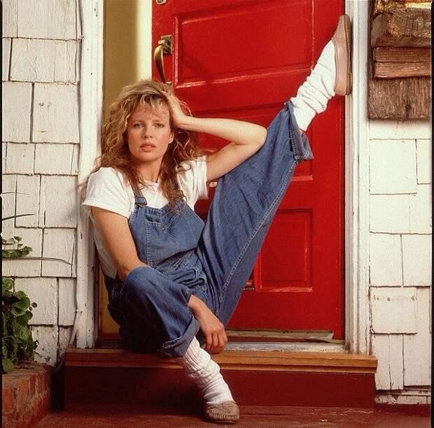 Великолепная Ким Бейсингер в безумные 80-ые.