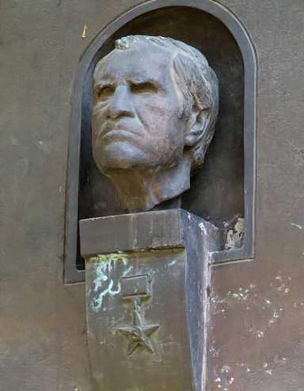 Лев Семёнович Понтрягин старался помочь репрессированным учёным.