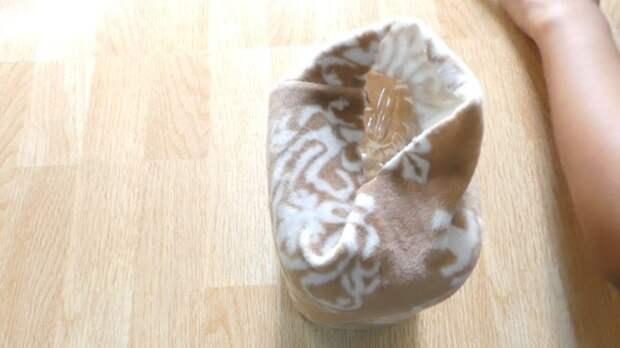 Удобная вещица, сделанная из пластиковой бутылки и старой одежды