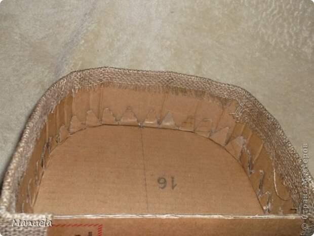 Мастер-класс Поделка изделие Картонаж Шкатулка МК Картон гофрированный Клей Мешковина Ткань фото 12