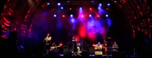 Греческий огонь группы the Speakeasies' Swing Band!