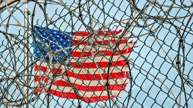 Подросток из Миссисипи останется отбывать пожизненный срок за убийство деда