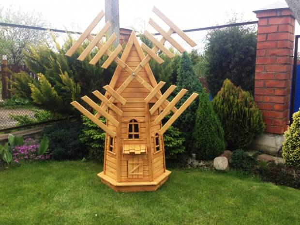 Небольшое сооружение, выступающее в роли украшения сада