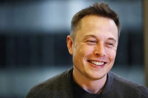 Маск предложил создать обитаемую базу на Луне