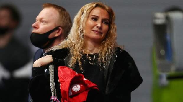 Тутберидзе жестко пошутила над своими учениками на шоу Урганта: «До сих пор не знаю, с талантом они или нет»