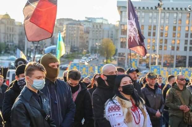 «Российская провокация»: на Украине попытались откреститься от марша националистов в Киеве