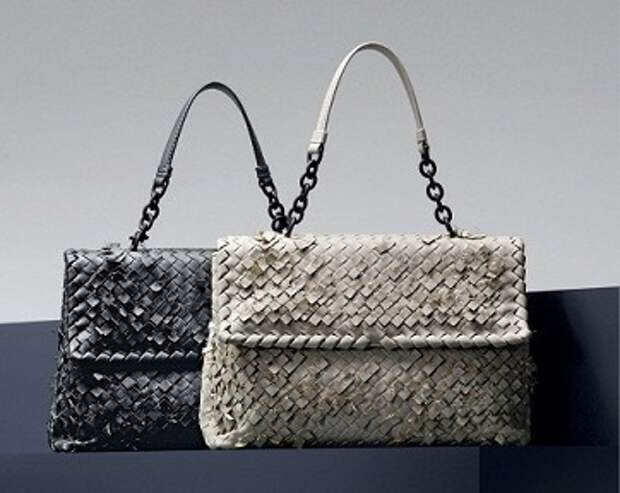 Bottega Veneta представил лукбук коллекции сумок Olimpia