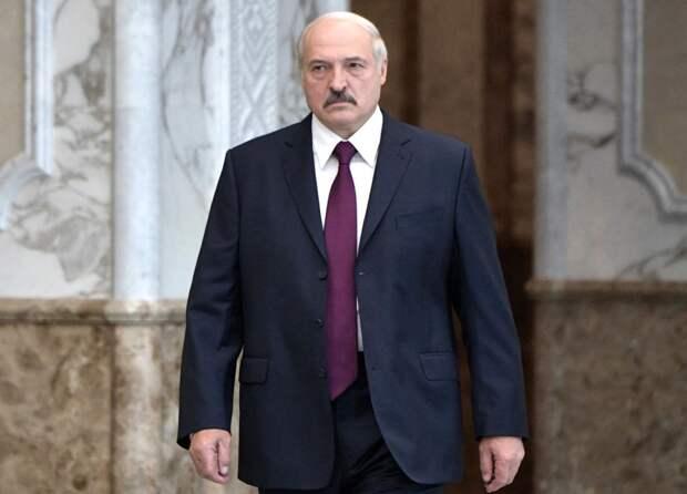 Лукашенко предложил рабочим минского завода убить его и провести новые выборы