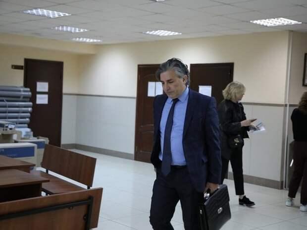 Адвоката Михаила Ефремова допросят по делу о лжесвидетельстве