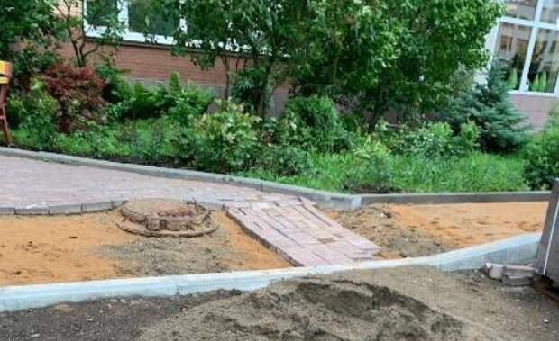На Родионовской обновили бордюры и пешеходные дорожки
