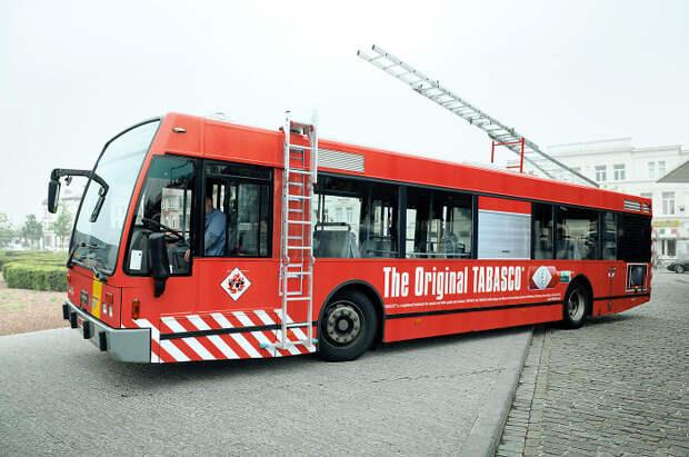 11 офигенных реклам на автобусах, которые выглядят слишком реалистично