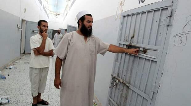 Родственники ливийцев назвали имена тюремщиков, славящихся своей жестокостью