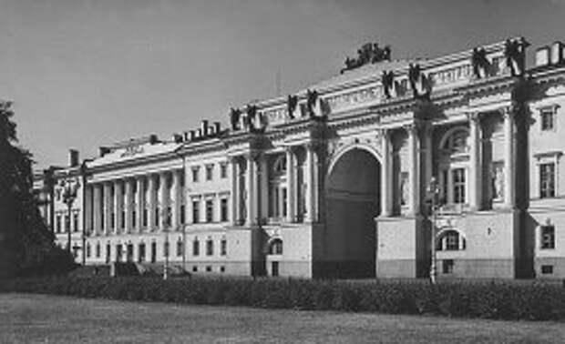 Здание Сената в Санкт-Петербурге