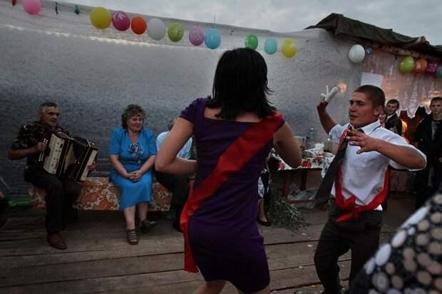 Нет гламуру или как можно весело проводить время на свадьбе в глубинке
