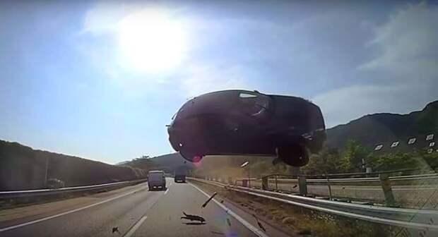 Автомобиль прилетел в лобовуху - жесть как она есть
